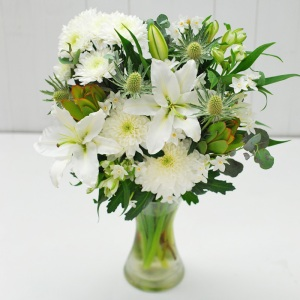 Our dazzling Christmas bouquet with a modern twist